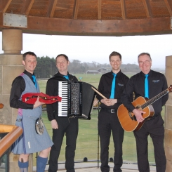 Reel Time Folk Band Entertaining Corporate Clients at the Old Course, St Andrews