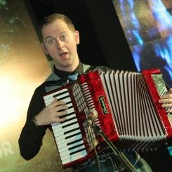 Reel Time Folk Band, accordion player,